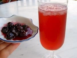Γλυκό βύσινο και παγωμένη βυσινάδα=Cherries in syrup and homemade ice cold cherry juice drink. Really delicious!!:)