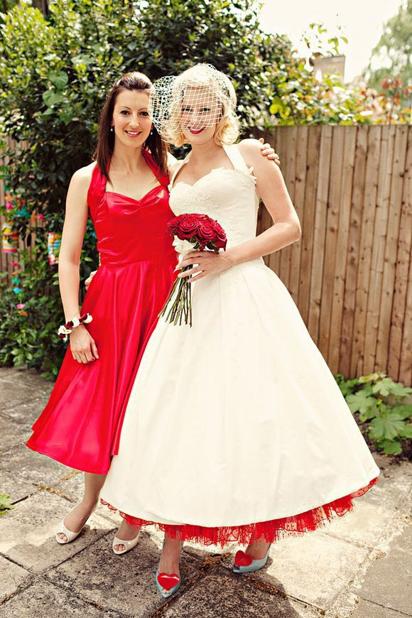 A 50′S HALTERNECK WEDDING DRESS FOR A VERY BRITISH LONDON WEDDING…