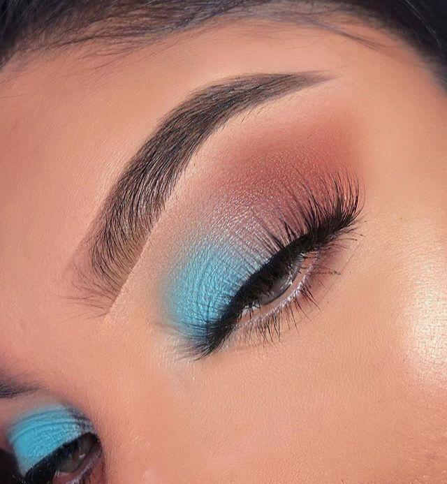 ᴘɪɴᴛᴇʀᴇsᴛ ᴄʜᴀʀᴍsᴘᴇᴀᴋғʀᴇᴀᴋ Eyeshadow Makeup Eye Makeup Art Blue Eye Makeup