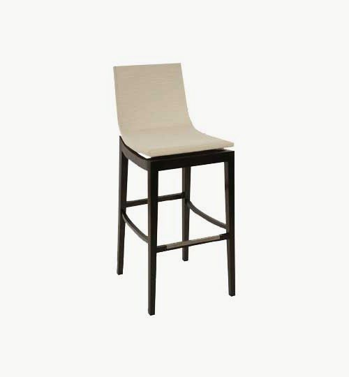 Barstol med klädd sits och ryggparti, många tyger och träfärger att välja på. Ingår i en serie med stol och karmstol. Barstolen är tillverkad i trä med bets samt med ett sittskal som går att få stoppat/klätt. Stolen väger 7,1 kg, vilket är en normal vikt för en barstol. Tyg Lido 100 % polyester, brandklassad. Tyg Luxury, 100 % polyester, brandklassad. Konstläder Pisa, brandklassad, 88,5% PVC, 11,5% polyester. #azdesign #barstol #vit #svart #inredning #pagedmeble