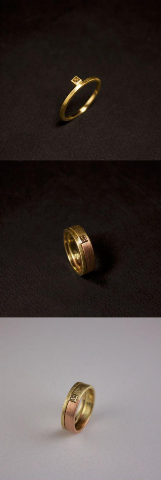 Het eindresultaat van een Gouden damesring met care geslepen champagne diamant, vervaardigd van de Trouwring van vader. Haar bestaande eigen Trouwring heb ik vermaakt zodat de ring er mooi inpast. Deze is dus niet vast gesoldeerd, maar ook los te dragen. #goudsmidmetpassie #omdatikjemis #herinneringen #herdenkingssieraden