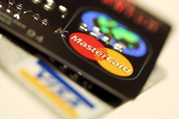 Mini przewodnik po kartach płatniczych - http://e-finanse24.net/karty-kredytowe/mini-przewodnik-po-kartach-platniczych/