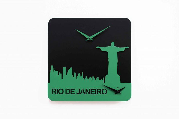 Di Gianluca Minchillo, la serie di orologi da parete Time Travel nasce per farci sentire più vicini ai nostri Paesi d'origine, o per portare nelle nostre case un po' di quelle mete lontane che da sempre sogniamo.