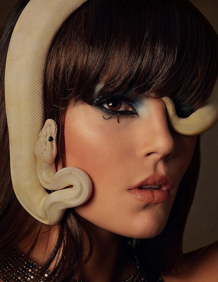 lady with snake hair called