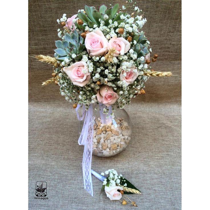 Gelin buketinizi nasıl hayal ediyorsunuz? Sevdiğiniz renkler, çiçeklerle gelinliğinize ve düğün konseptinize uygun buketler için info@terraquadesign.com adresinden bize ulaşabilirsiniz 🌞 Sukulent buketler ile düğününüzden bir hatıra yetiştirmeniz de mümkün 🌿 #terraquadesign #succulent #wedding #bouquet #düğün #buket #gelinbuketi #gelin #damat #yakaçiçeği #succulentweddingflowers #rose #pink #soft #colors #beautiful #nikah #kişiyeözel #unique #love #istanbul