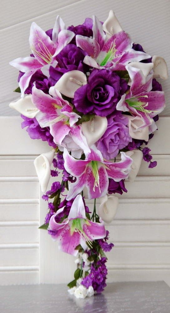 Purple wedding flowers http://weddingflowersideas.blogspot.com/2014/04/purple-wedding-flowers.html