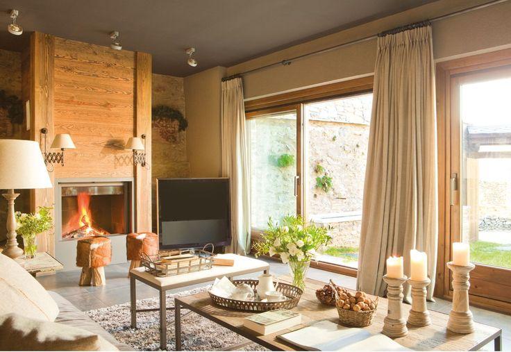 Esta reforma foi muito bem conduzida pela decoradora Maria Luisa Malagarriga, que teve a ajuda dos arquitetos Llorenç Olivé y Javier Trill...