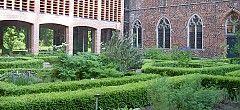 KLOOSTERTUIN in Ter Apel http://westerwolde.groningen.nl/tuin-en-kunst-10-daagse-westerwolde/klooster-ter-apel