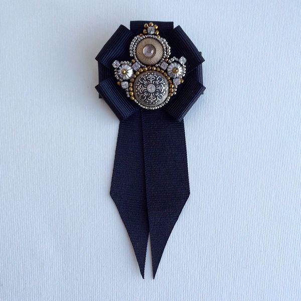 """Купить Брошь-орден с галстучком """"Мелатонин"""" - черный, серебряный, золотой, брошь, орден, брошь-орден"""