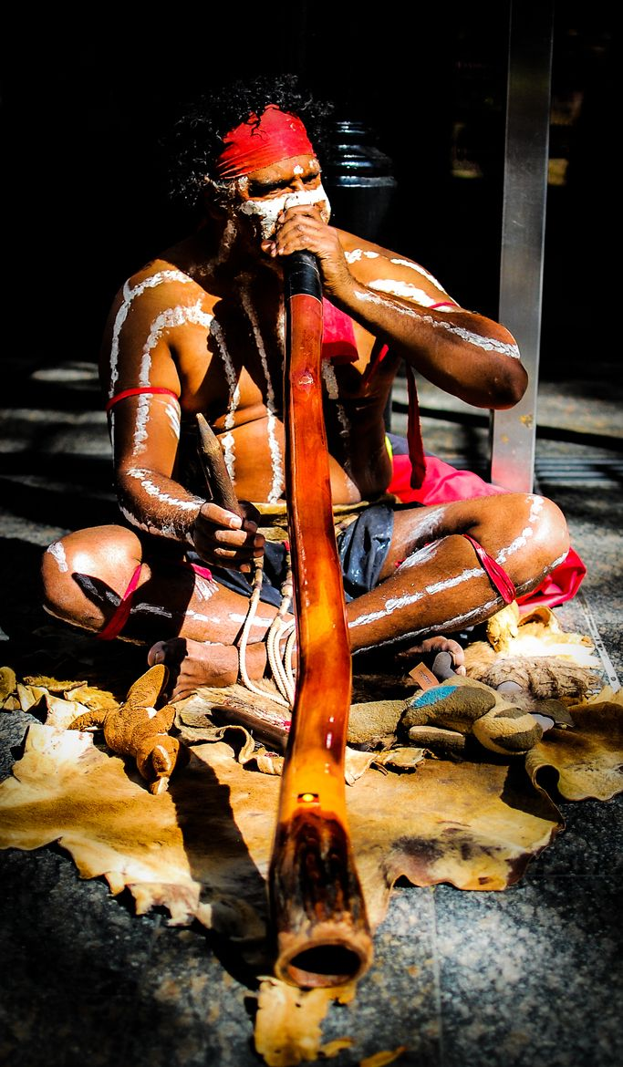 Aboriginal didgeridoo music