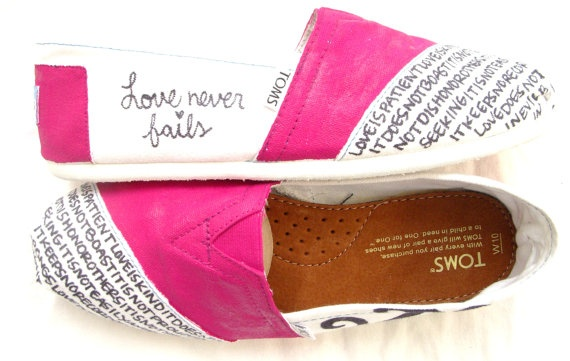 1st Corinthians Toms. THE MOST PERFECT SHOES IVE EVER SEEN IN MY LIIIIIIIIIIIIIIIIIIIIIIIIIFEEEEEEE