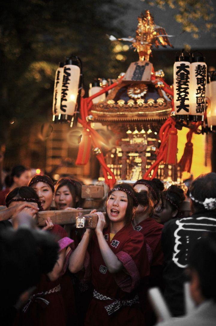 祭、神輿/omikoshi at Yasukuni shrine