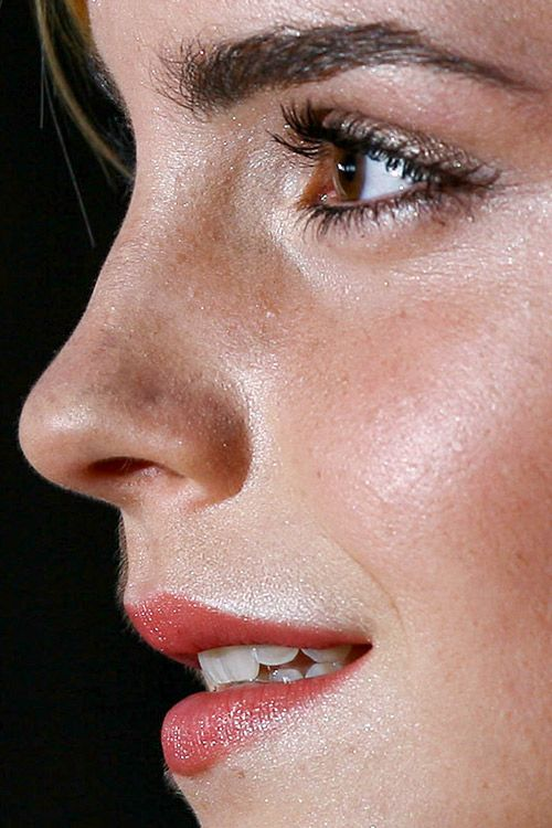 Emma Watson close up photo