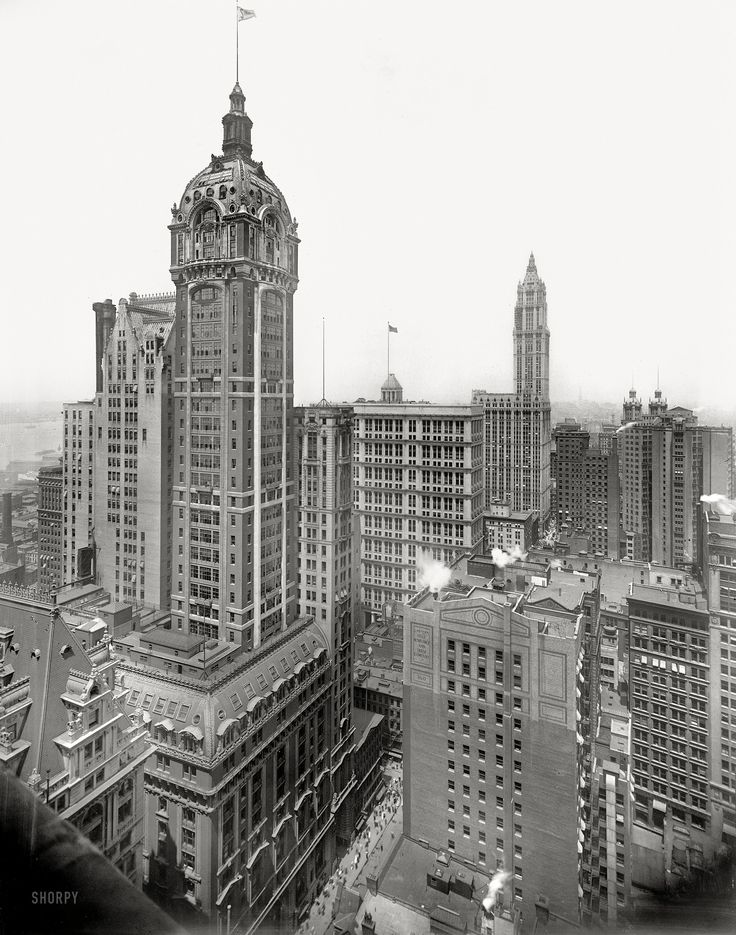 "Shorpy Historical Photo Archive :: New York circa 1913. ""The Singer Building."" Rising in the distance, the Woolworth Building under construction. Detroit Publishing Company."