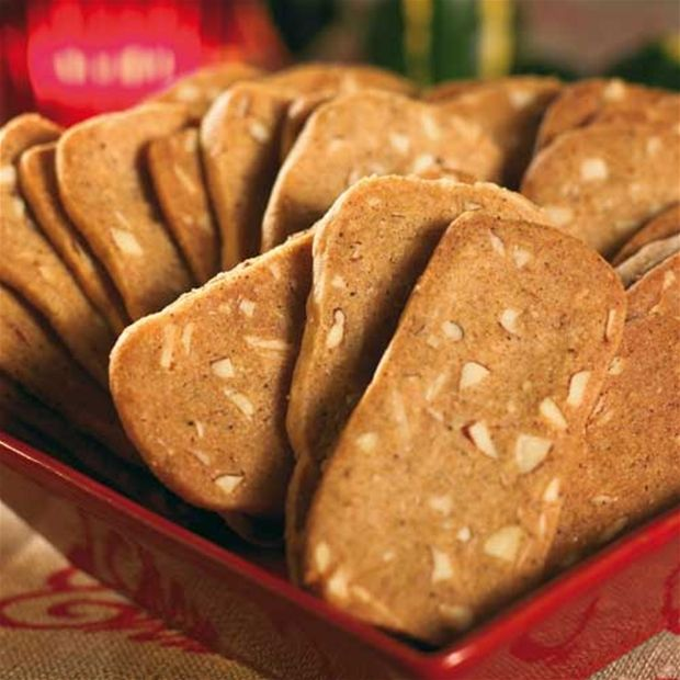 Skurna pepparkakor med mandel - Swedish Almond Thins