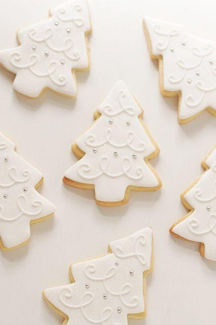 white christmas tree cookies by hello naomi, via Flickr