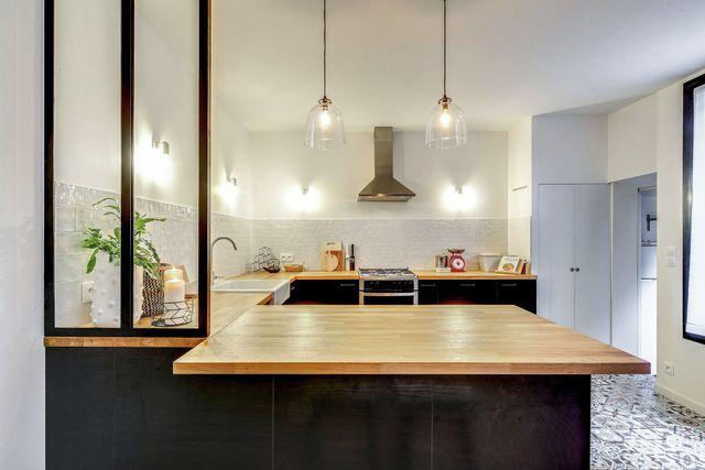 Maison A Aubervilliers Une Maison De Ville Familiale Au Style Industriel Cuisine Moderne Design Deco Maison Maison De Ville