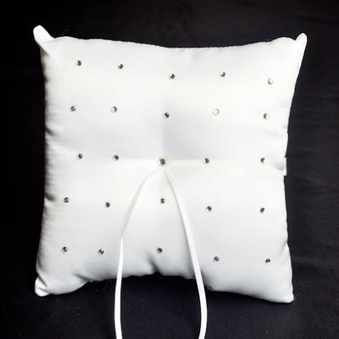 14 Best Images About Wedding Ring Pillows On Pinterest