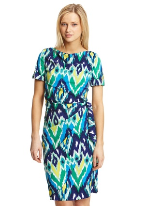 Geometric patterns & bright blue hues <3