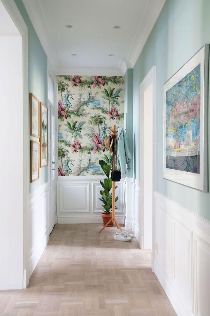 1001 Idees De Peinture Quelle Couleur Pour Agrandir Un Couloir En 2020 Couloir Blanc Couleur Couloir Fond D Ecran Tropical