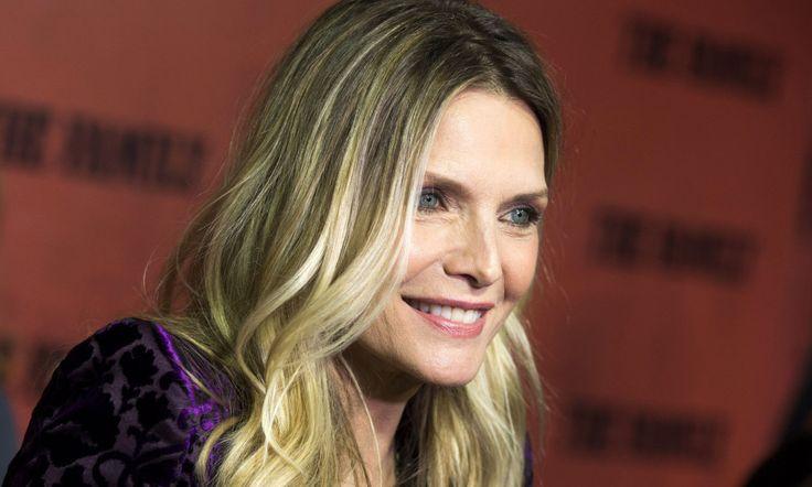 VENDER TILBAKE: Michelle Pfeiffer er aktuell med flere filmprosjekter i 2017, etter å ha vært borte fra rampelyset i flere år. Her fra 2013. Foto: Invision / AP / NTB Scanpix