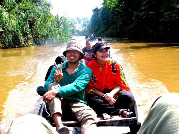 Wisata Susur Sungai / River Tourism at TessoNilo NationalPark, Riau