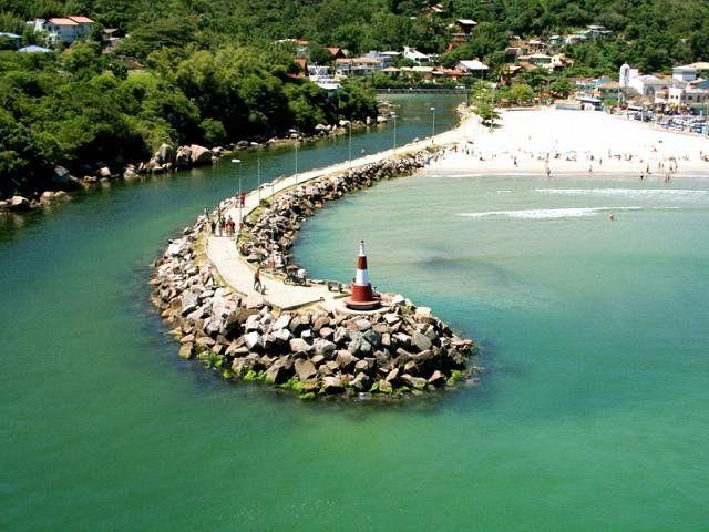 Praia Barra da Lagoa, Florianópolis, Santa Catarina, Brasil.