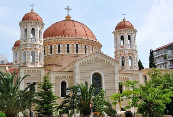 The present cathedral of Thessaloniki is dedicated to Agios Gregorios the Palamas and it is situated at the centre of the town, at the intersection of Metropolitan and Agias Sophias streets. In the same place, existed a church in honor of Agios Dimitrios, which was the metropolis of Thessaloniki during the Ottoman occupation. T