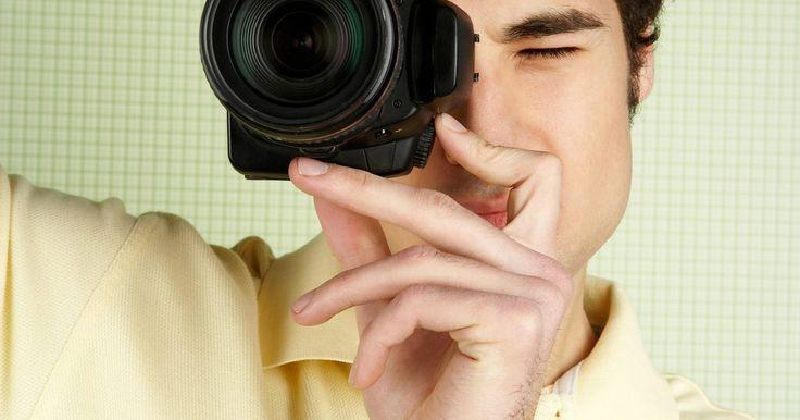 Como colocar uma foto em PDF no Facebook. Apesar de existir inúmeros aplicativos de terceiros que você pode usar para postar uma foto em PDF no Facebook, uma das maneiras mais fáceis de fazer isso é converter o documento em um arquivo de imagem, o qual é facilmente reconhecido pelo site. Dessa maneira, sua foto vai aparecer primeiro no mural e depois nas fotos de perfil, onde poderá ser ...