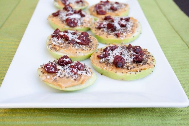 Coconut Peanut Butter Apple Pizzas - Create Mindfully http://createmindfully.com/coconut-peanut-butter-apple-pizzas/