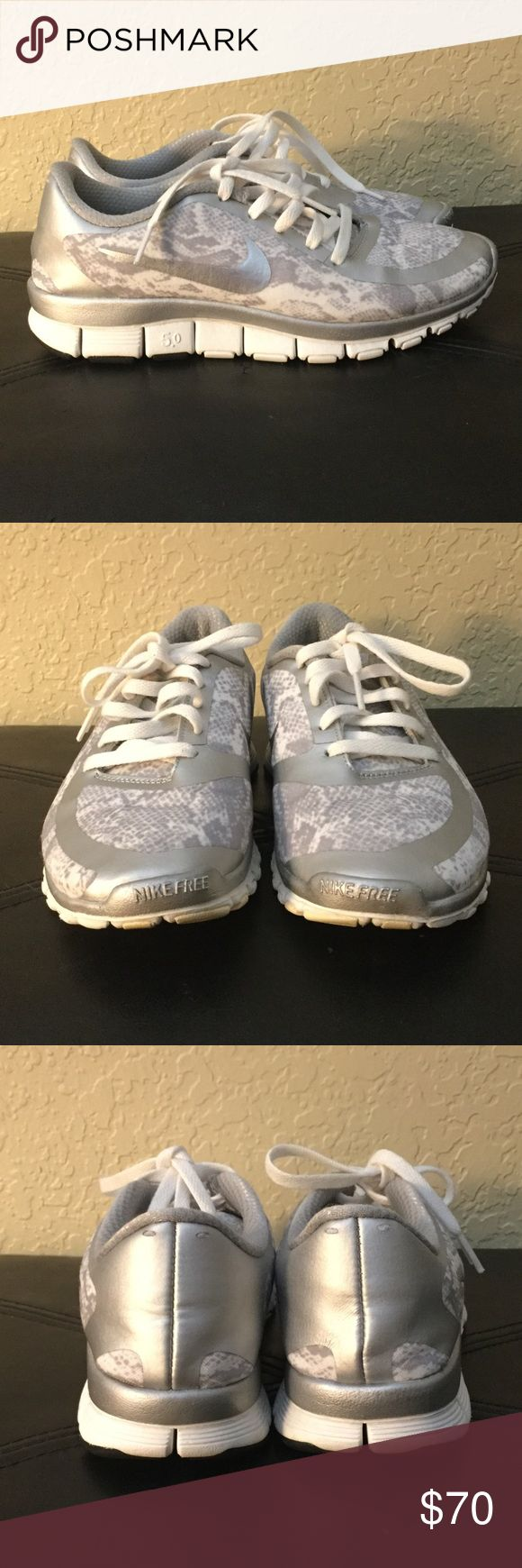 Silver and white nike sneakers Good used condition, size 6.5 runs small.         🚭Smoke/pet free home ❌no trades 💵💰negotiable 📦bundle✅ Nike Shoes Sneakers