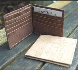 Great vegan credit card holder. Sustainable, fashionable and stylish.