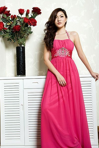 I love the dresses in this website. Need to remember this site for the MC Ball