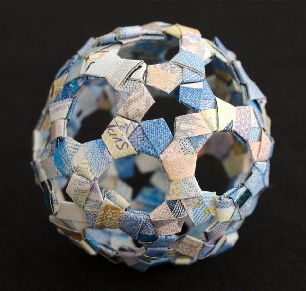 Spectacular Three-Dimensional Money Sculptures - My Modern Met