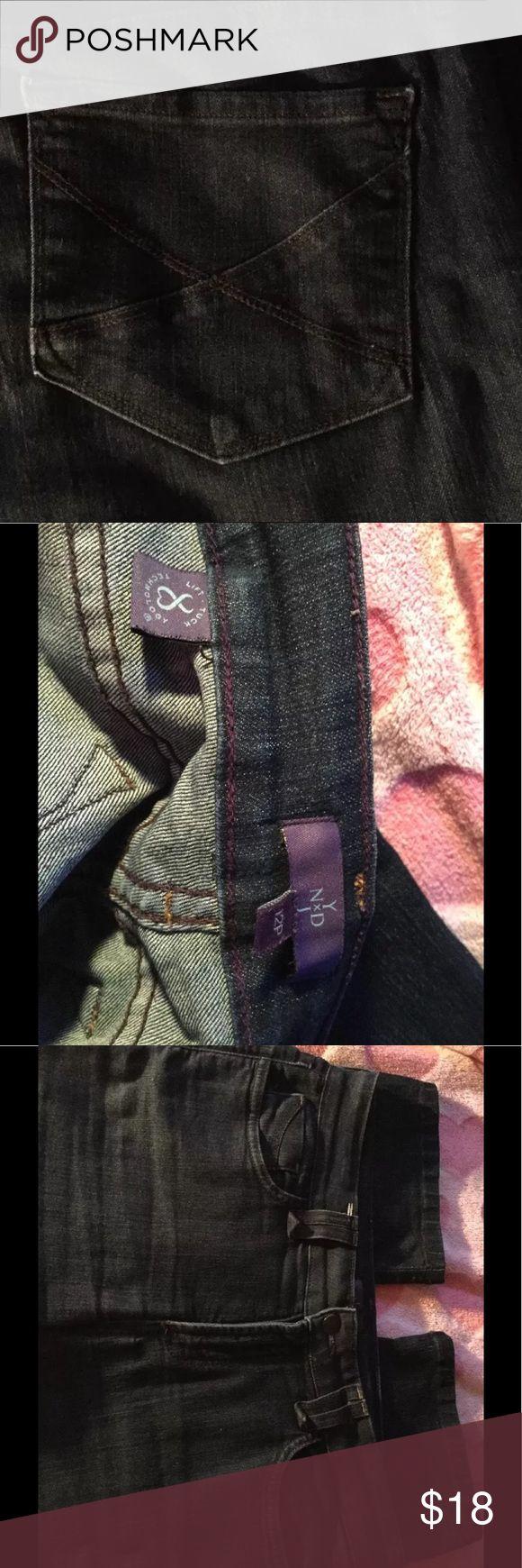 NYDJ 12 Petite Straight stretch tummy tuck jeans Excellent condition 🎉👏🎉 tummy tuck design 27L 🌴11 inch classic rise NYDJ Jeans Straight Leg
