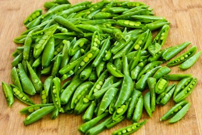 Spicy Stir-Fried Sugar Snap Peas with Soy Sauce, Sesame Oil, and Srir ...