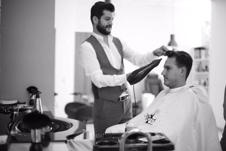 Erkek Kuaförü. Yeni saç modelleri ve üstün hizmet anlayışı ile İzmir'in en iyisi. Beyefendi Boutique Kuaför...