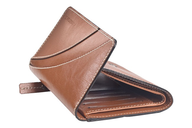 Flap over girls wallet in genuine cow leather . Contrast edge color and stitch detail. Wallets from Fastrack http://www.fastrack.in/product/c0322lbr01/?filter=yes=india=7=4&_=1334231917984