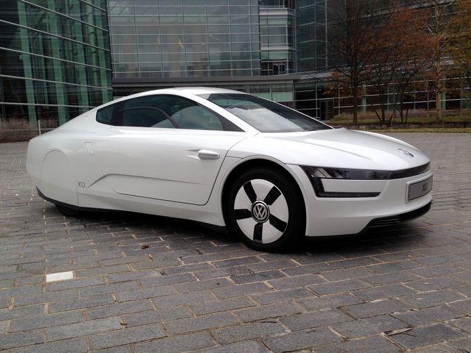 srebrny Volkswagen XL 1