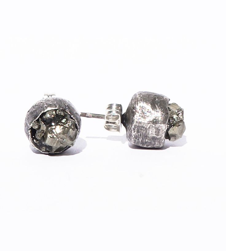 Earrings with pyrite
