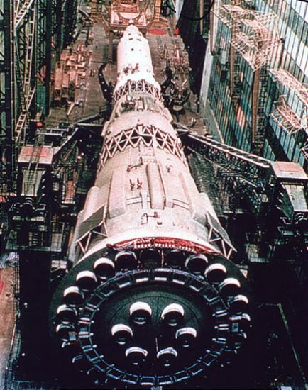 Soviet N1 Rocket showing the 30 rocket engines of its first stage