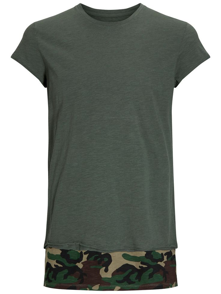 Longer line tee shirt with camo print detail in the bottom. A must-have this season | JACK & JONES