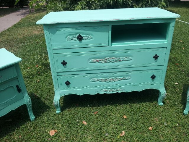 https://www.facebook.com/DecoraMueblesRetro