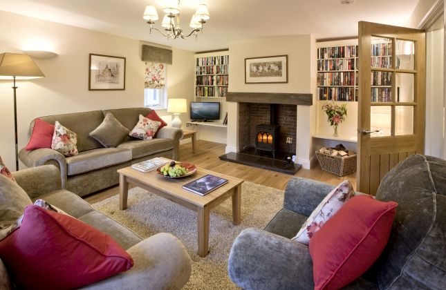 Lounge, Sycamore Cottage, Rennington Holiday Cottages, Northumberland