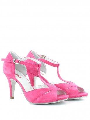 Sandalo in camoscio rosa, con t-bar e cinturino alla caviglia regolabile, soletta in pelle, tacco 8.5 cm con sopratacco in gomma e fondo in bufalino. Made in Italy. By L'Angolo