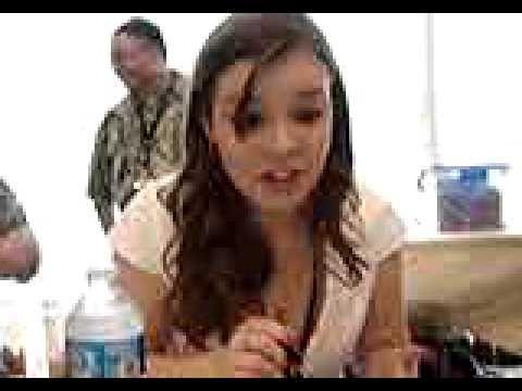 Cherami Leigh as Patty NO ENGLISH THATS INPOSIBLE
