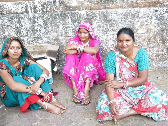 Women in the streets - India #Travel #Discover #People Fragonard Parfumeur
