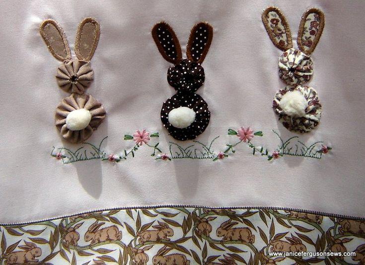 3-bunnies1.jpg 800×581 pixels