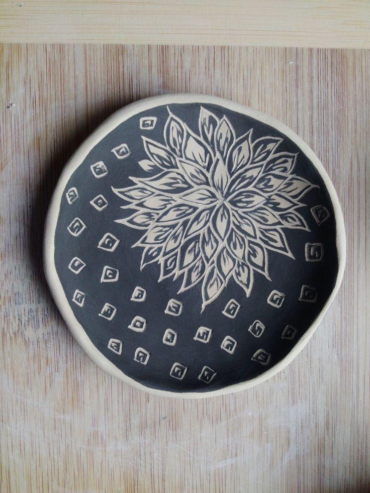 Sgraffito plate By Rachel Youngman July 2017