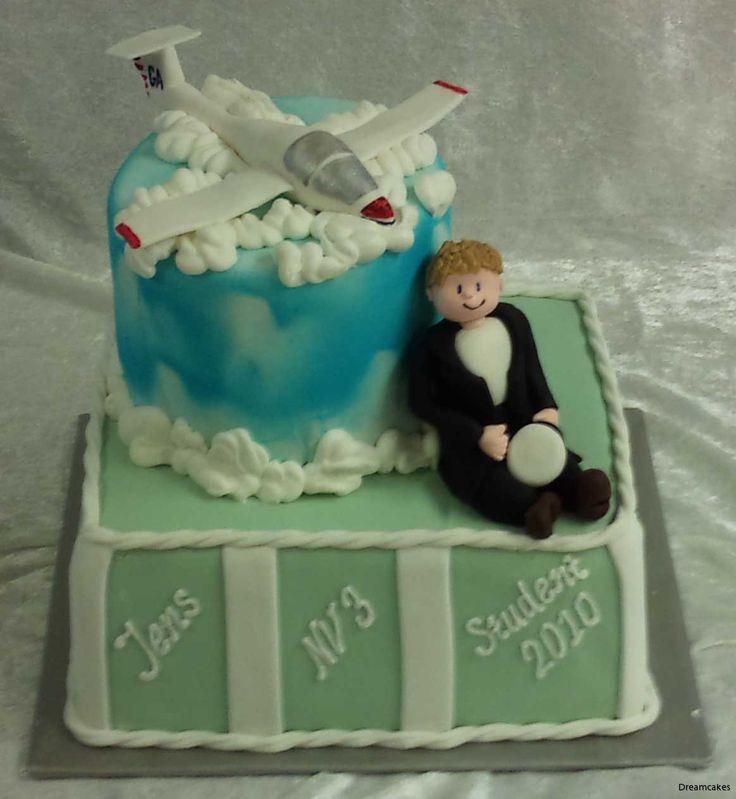 En av de sista studenttårtorna vi gjorde här på Dreamcakes. Killen brinner för segelflygning, så motivet var självklart!
